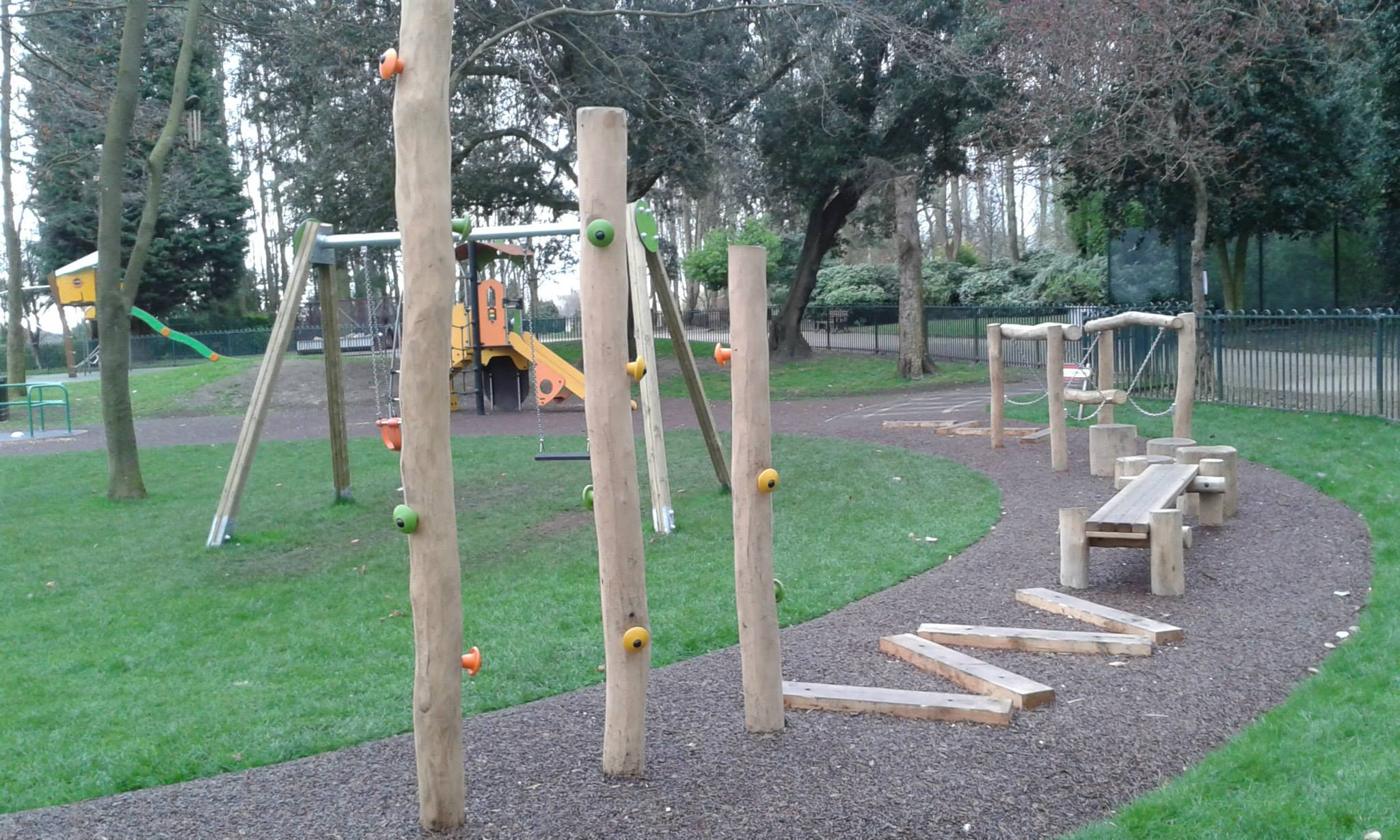 amazing outdoor play gym pictures children toys ideas. Black Bedroom Furniture Sets. Home Design Ideas
